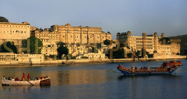 Lakes and Palaces Tour – Udaipur